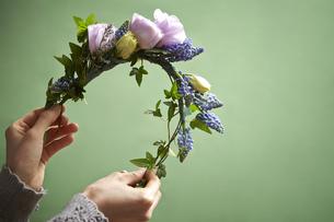 花の髪飾りの写真素材 [FYI04306515]