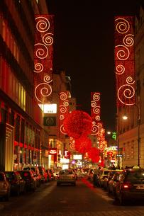 ウィーン旧市街 クリスマスイルミネーション オーストリアの写真素材 [FYI04308037]