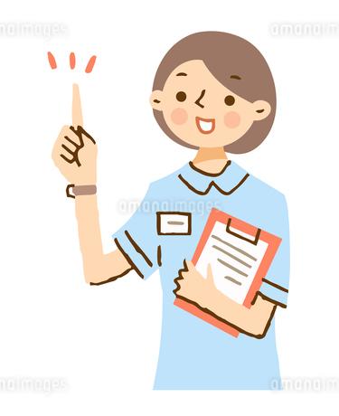 笑顔で説明する看護師のイラスト素材 [FYI04308252]