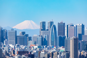 東京の街並みと富士山の写真素材 [FYI04308358]