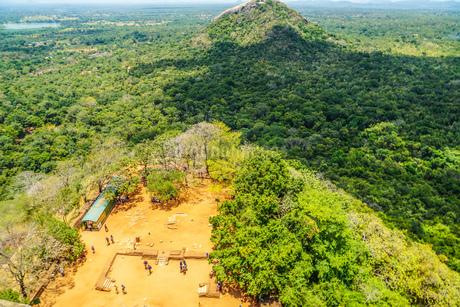 スリランカ・シーギリヤロック頂上から見える風景の写真素材 [FYI04308922]