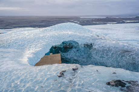 アイスランド・氷の洞窟(ヴァトナヨークトル)の写真素材 [FYI04308982]