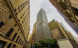 ニューヨーク・ウォール街の街並みの写真素材 [FYI04309049]