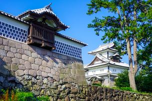 金沢城新丸広場から菱櫓の写真素材 [FYI04309348]