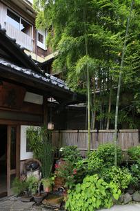 箱根湯本温泉の旅館の風情の写真素材 [FYI04309357]