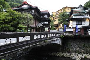 箱根塔ノ沢温泉の旅館ホテル群 東海道の写真素材 [FYI04309363]