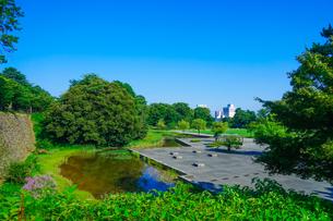 金沢城河北門の河北坂から新丸広場の写真素材 [FYI04309381]