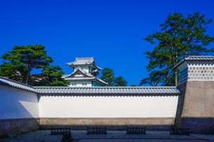金沢城可北門の桝形内から菱櫓の写真素材 [FYI04309435]