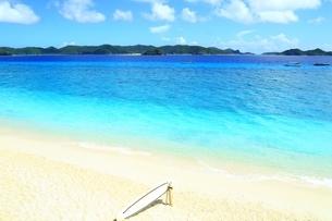阿嘉島の北浜(ニシバマ)ビーチの写真素材 [FYI04310234]