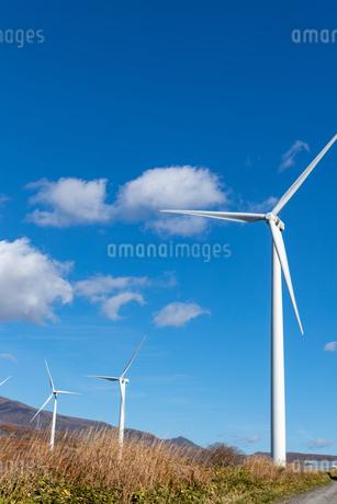 北海道伊達市 風力発電の風車の写真素材 [FYI04310815]