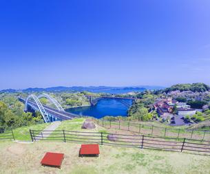 長崎県 桜 西海橋 (西海の丘公園) の写真素材 [FYI04311558]