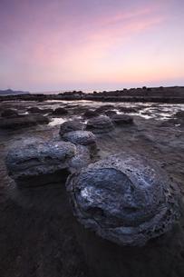 石見畳ヶ浦の夕景の写真素材 [FYI04312222]