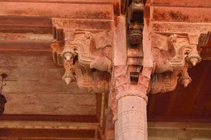 アンベール城内のディーワーネ・アームの柱の写真素材 [FYI04313901]
