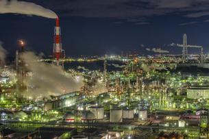 四日市コンビナートの工場夜景の写真素材 [FYI04315148]