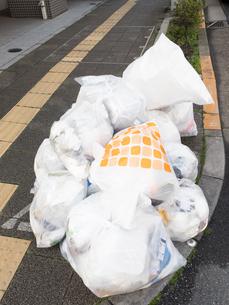 ゴミ集積所の写真素材 [FYI04315201]