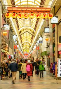 京都 新京極商店街の景観の写真素材 [FYI04317559]