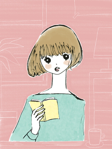 カフェで本を読む女性のイラスト素材 [FYI04318285]
