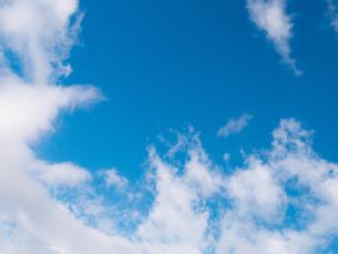 おもしろい雲と空のイメージ素材の写真素材 [FYI04318345]