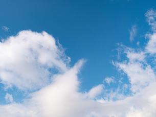 おもしろい雲と空のイメージ素材の写真素材 [FYI04318346]