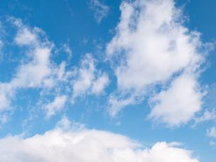 おもしろい雲と空のイメージ素材の写真素材 [FYI04318348]