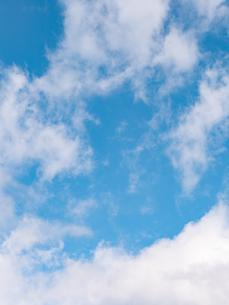 おもしろい雲と空のイメージ素材の写真素材 [FYI04318350]