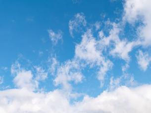 おもしろい雲と空のイメージ素材の写真素材 [FYI04318352]