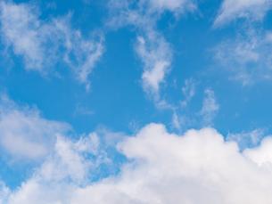 おもしろい雲と空のイメージ素材の写真素材 [FYI04318355]