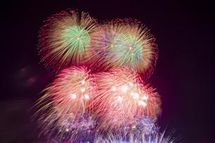 未来へ残したい日本の花火の写真素材 [FYI04318806]