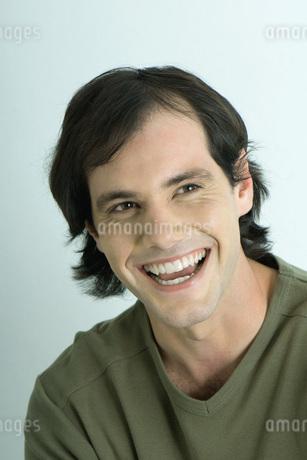 Man smilingの写真素材 [FYI04319220]