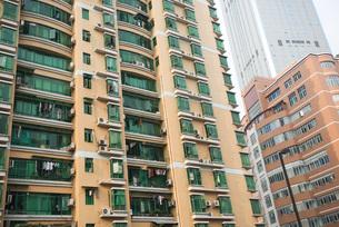 High rise apartment buildingの写真素材 [FYI04319586]