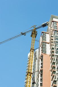 high rise under constructionの写真素材 [FYI04319638]