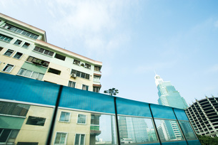Apartment buildings and high risesの写真素材 [FYI04319644]