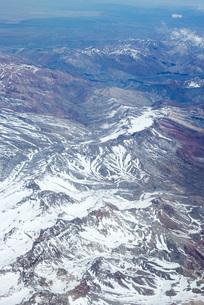 Snow-covered mountain rangeの写真素材 [FYI04319674]