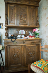 Wooden china cabinetの写真素材 [FYI04319690]