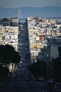 Hilly streetの写真素材 [FYI04319808]