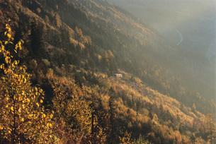 Mountainside in sunlightの写真素材 [FYI04319846]
