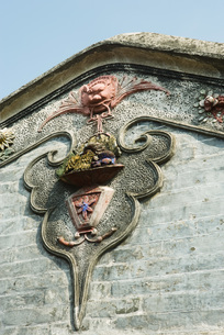 Architectural detail on Chinese templeの写真素材 [FYI04319947]
