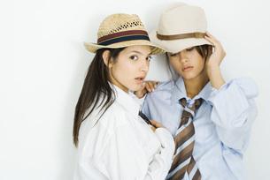 Two females dressed in men's clothingの写真素材 [FYI04320291]