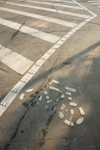 Bicycle symbol on asphaltの写真素材 [FYI04320325]