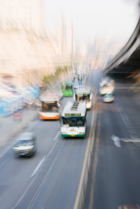 City buses, blurred motionの写真素材 [FYI04320332]