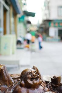 Laughing Buddha statueの写真素材 [FYI04320388]