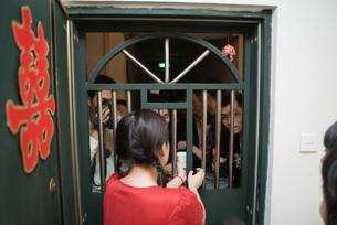 Chinese wedding door traditionの写真素材 [FYI04320422]