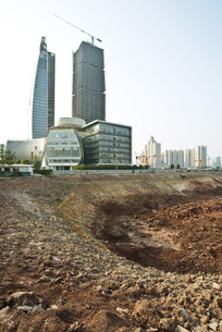 Bare soil at construction siteの写真素材 [FYI04320616]