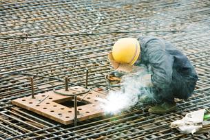 Construction worker workingの写真素材 [FYI04320671]