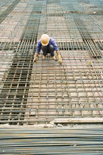 Construction worker workingの写真素材 [FYI04320673]