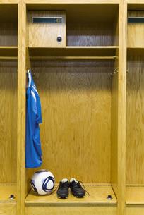 Soccer gear in locker roomの写真素材 [FYI04321692]