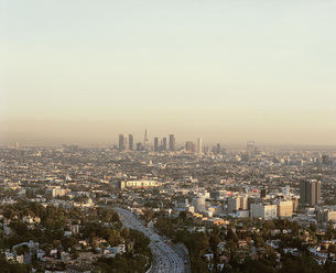 View from Mulholland Drive of cityscape against sky, Los Angeles, California, USAの写真素材 [FYI04322896]