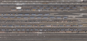 Aerial view of freight train carriages and tracks, North Rhine-Westphalia, Germanyの写真素材 [FYI04322988]