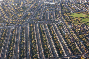 Aerial view of residential area, London, England, UKの写真素材 [FYI04322992]
