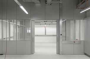 Interior of an empty officeの写真素材 [FYI04323304]